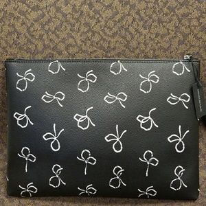 NWT Banana Republic Bow-Print Zip Pouch